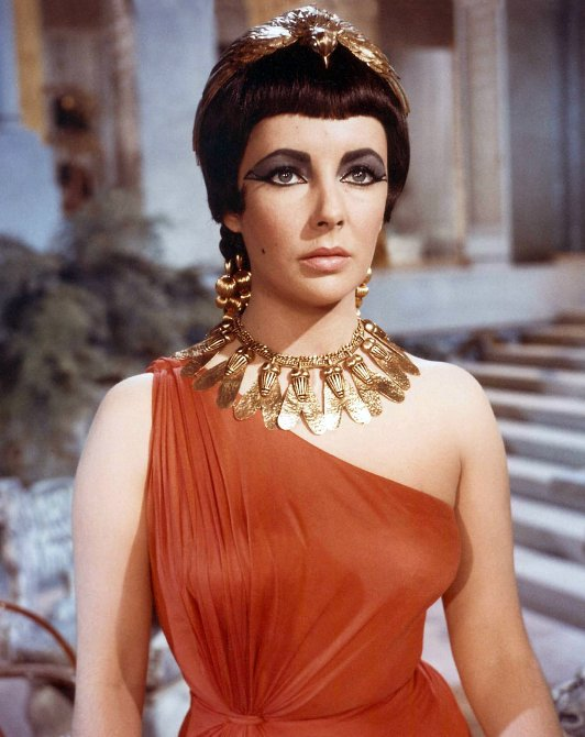 Liz Taylor as Cleopatra in red, 1963
