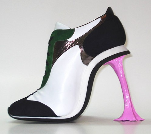 Chewing gum shoe, Kobi Levi